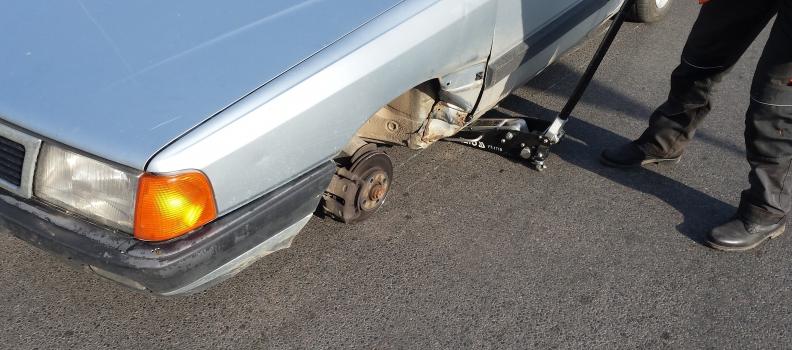 Automobilio rato keitimas